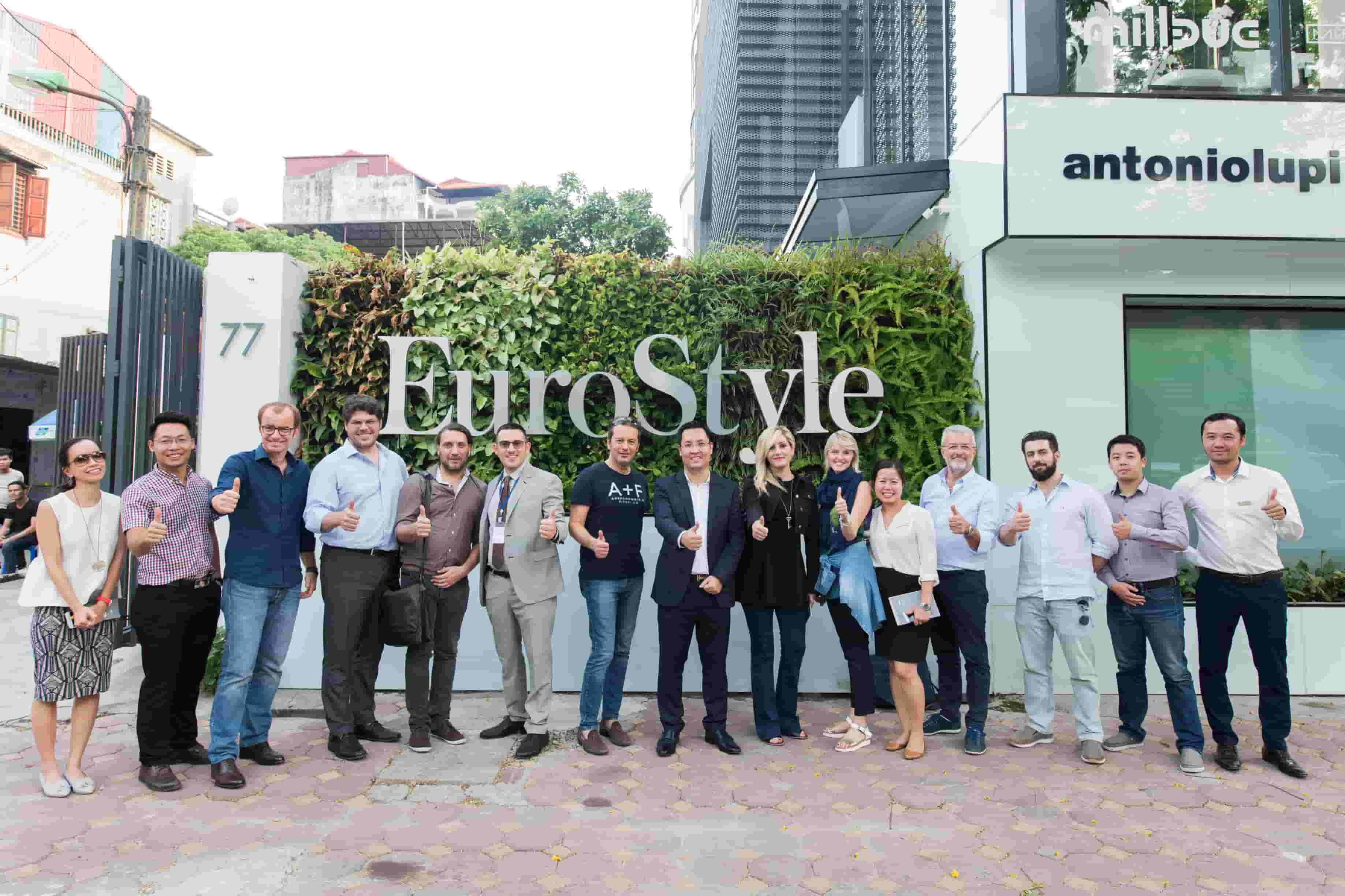 Chào đón đoàn thương mại Ý tại Showroom EuroStyle Design Center