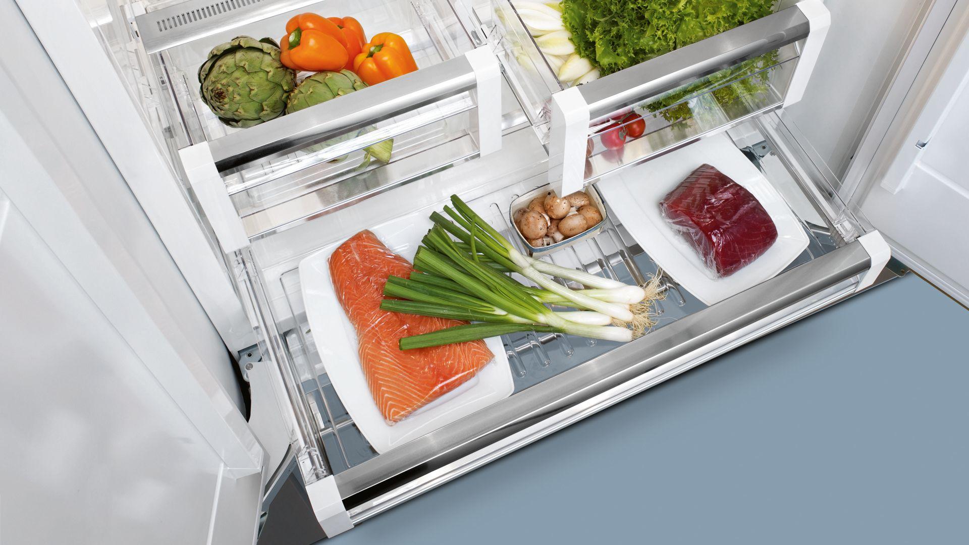 Tủ lạnh tích hợpiQ700